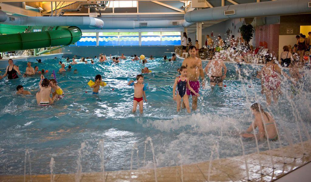 Roompot Park In Drenthe Of Limburg Mét Subtropisch Zwembad Va 59