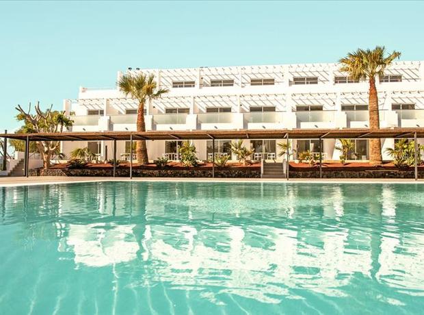 foto luxe zonvakantie op Lanzarote